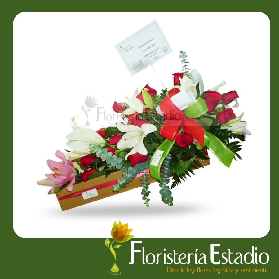 Caja De Rosas Y Lirios